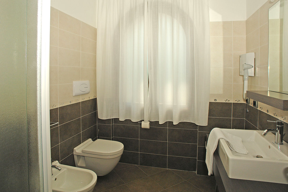 Bagno valentino best holiday home casa san valentino - Piastrelle bagno valentino ...